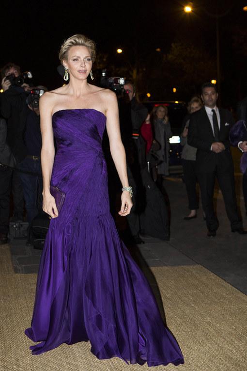 Le star vestite di viola e lilla - Charlene di Monaco