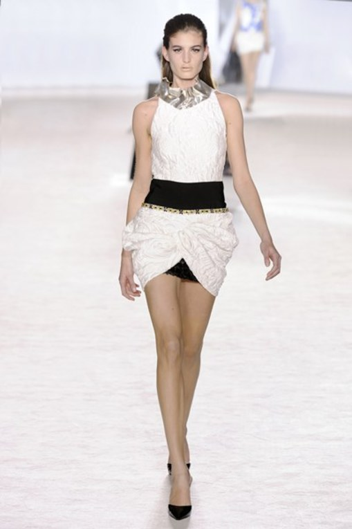 Défilé Giambattista Valli Haute Couture Printemps-Eté 2014
