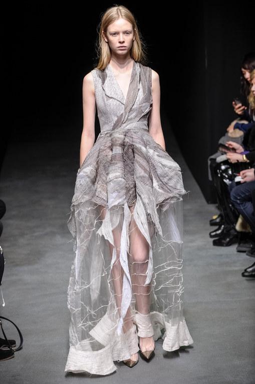 Défilé Yiqing Yin Haute Couture Printemps-Eté 2014