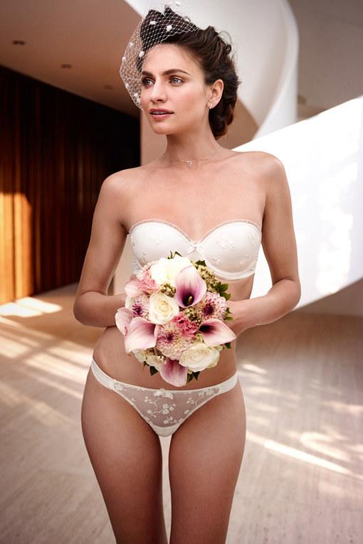 Verführerische Brautdessous 2014