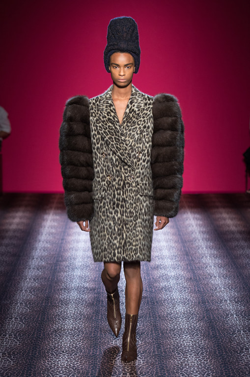 Modeshow Schiaparelli Haute Couture Herfst-Winter Parijs 2014-2015