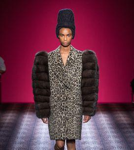 Modeshow Schiaparelli Haute Couture Herfst-Winter 2014/2015 Parijs