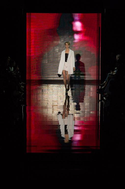 Modeshow Giorgio Armani Privé Haute Couture Herfst-Winter Parijs 2014-2015
