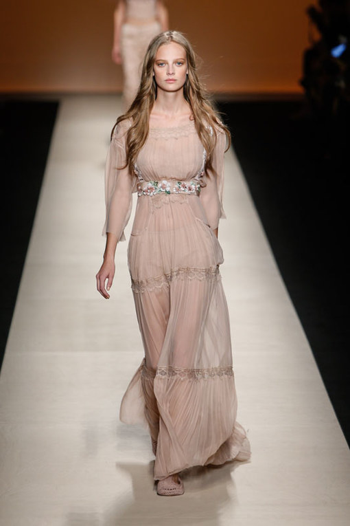 Alberta Ferretti Milano Fashion Week P/E 2015