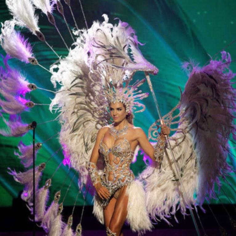 6ba3b0fcd7 Los peores trajes típicos de Miss Universo   Foto - enfemenino