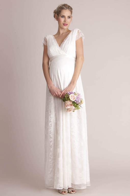 a1306eb814532 Sei incinta e stai per sposarti  Ecco gli abiti da sposa ideali per ...