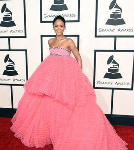 Principessa Disney, sexy bad girl o diva d'altri tempi: i Rihanna look