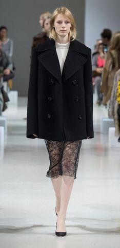 Nina Ricci – Défilé prêt-à-porter AH Paris 2015-2016