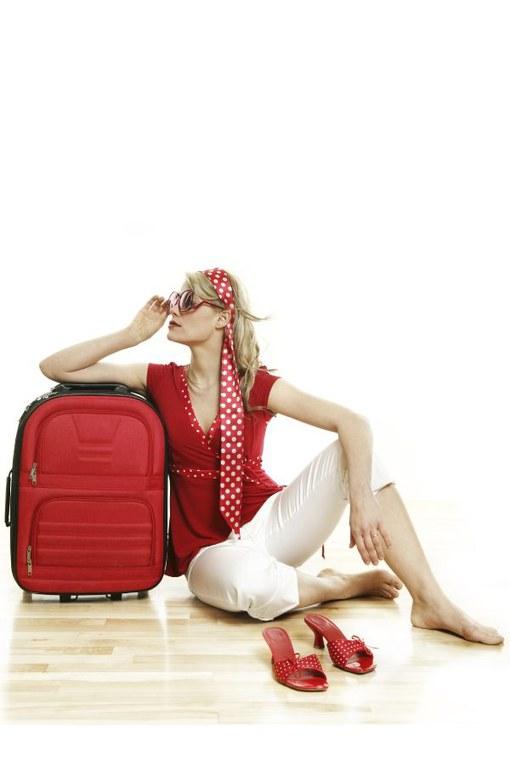 Pratici, mini e completi: scopri i nuovi beauty kit da viaggio