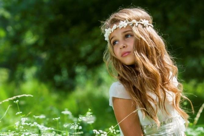 Les plus jolies coiffures pour enfant - Headband cheveux longs