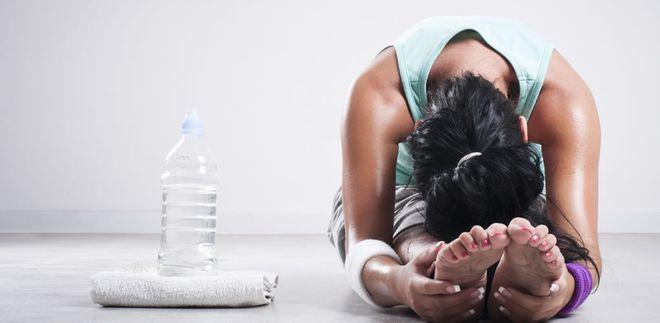 26 postures de yoga bikram à enchaîner pour se sentir bien