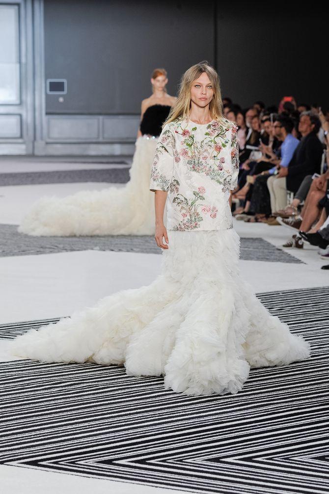 Le défilé Giambattista Valli Haute Couture AH 2015-2016