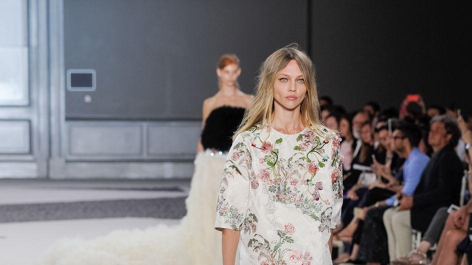 Le défilé Haute Couture Giambattista Valli, du tulle et des couleurs