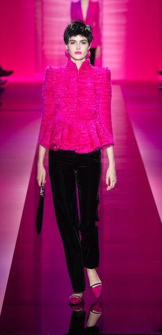 Armani Privé, une collection pink et punk