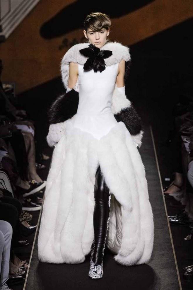 Fendi: París Alta Costura Otoño- Invierno 20125/16