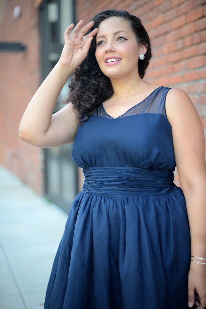 Abendkleider für Mollige: Elegante Kleider für kräftige Frauen