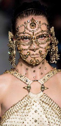 Givenchy auf der New York Fashion Week: Wird DAS der Sommertrend 2016?