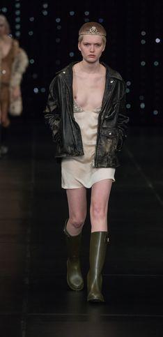 Ist das Mode oder kann das weg? Die 30 peinlichsten Skandal-Looks vom Catwalk