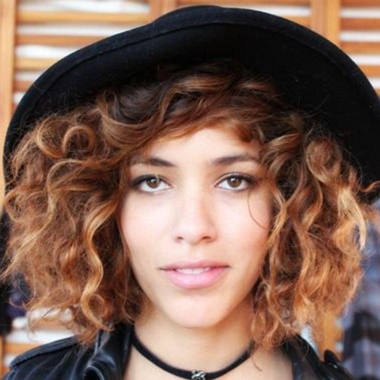 40 peinados perfectos para llevar con sombrero   Foto - enfemenino 2fc5f60c62d
