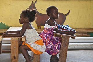 +20 fotos poderosas: meninas de todas as partes do mundo na escola