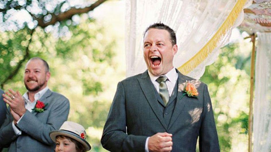 Arriva la sposa e i mariti si emozionano