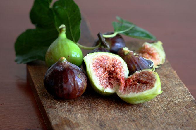 Pressione bassa: cosa mangiare per evitare cali e svenimenti? - Fichi