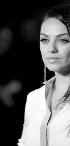 Mila Kunis, una feliz mamá orgullosa de sus curvas