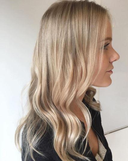 Haare gebräunte haut blonde olive skin