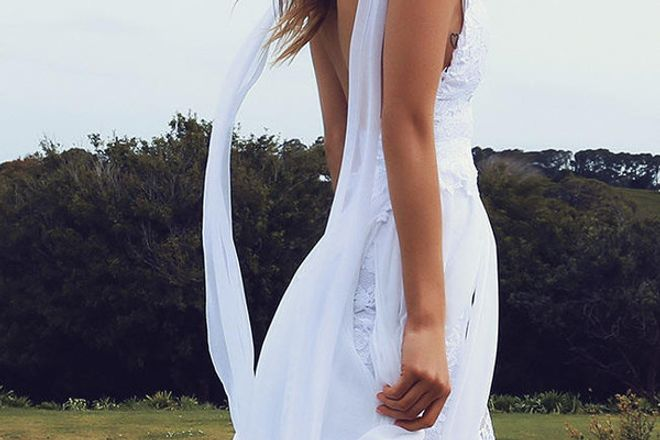 Holli 2.0 - O vestido de noiva de 2,5 milhões de pins