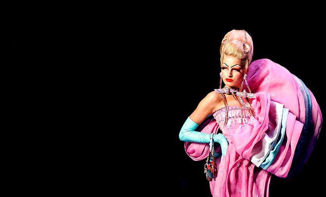 Delicie-se com detalhes dos desfiles da Dior Couture na última década