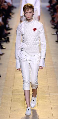 Christian Dior SS 2017: Ist die Zwangsjacke das nächste Must-have?!