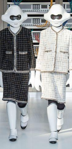 Von Klonkriegern und Hip-Hop-Girls: So skurril war die Fashion-Show von Chanel!