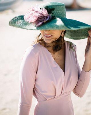 Pamelas, tocados, sombreros... Un toque especial para tu look de invitada