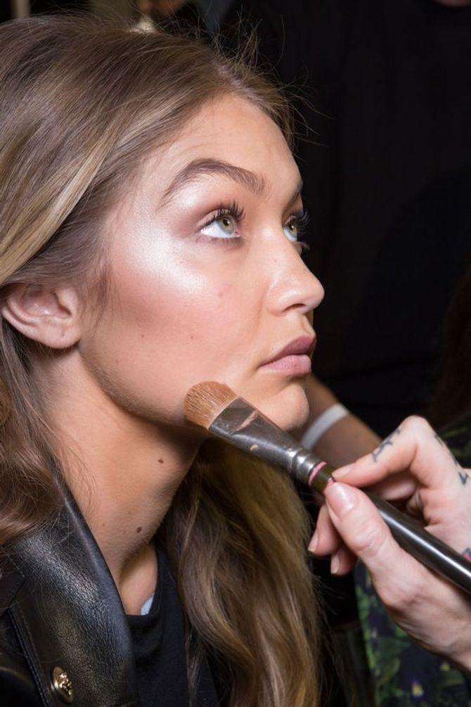Lustre: la tecnica illuminante viso destinata a diventare un trend beauty 2017