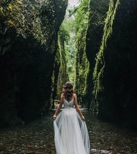 Fotos de casamento na floresta para um final de conto de fadas