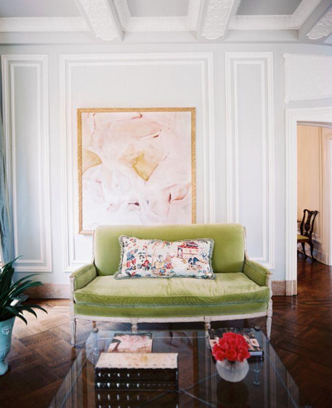 Sofás coloridos vão alegrar sua sala