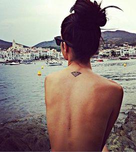 +40 tattoos de diamante (eles são os melhores amigos das mulheres, lembra?)