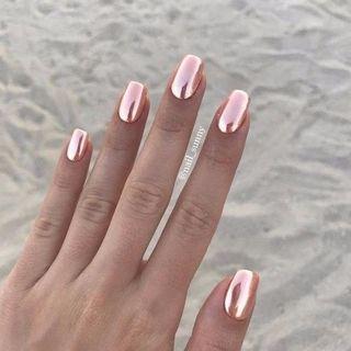 Unghie metallizzate rosa