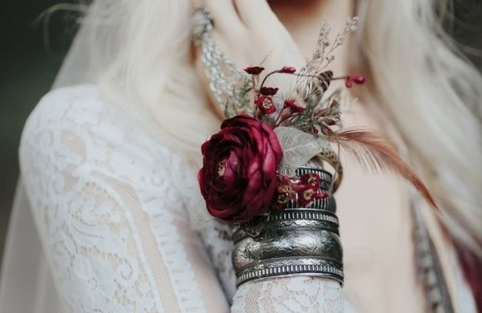 Dispense o buquê! Corsages maravilhosos para noivas