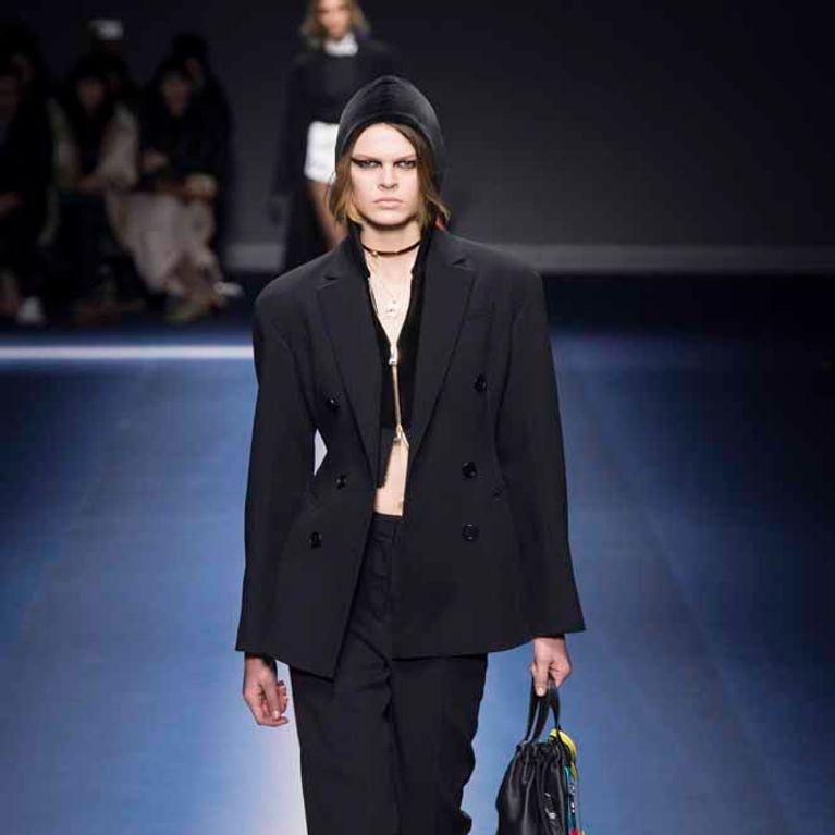 Fashion Versace Milan Invierno Otoño 20172018 WeekFoto Enfemenino iZukXPTO