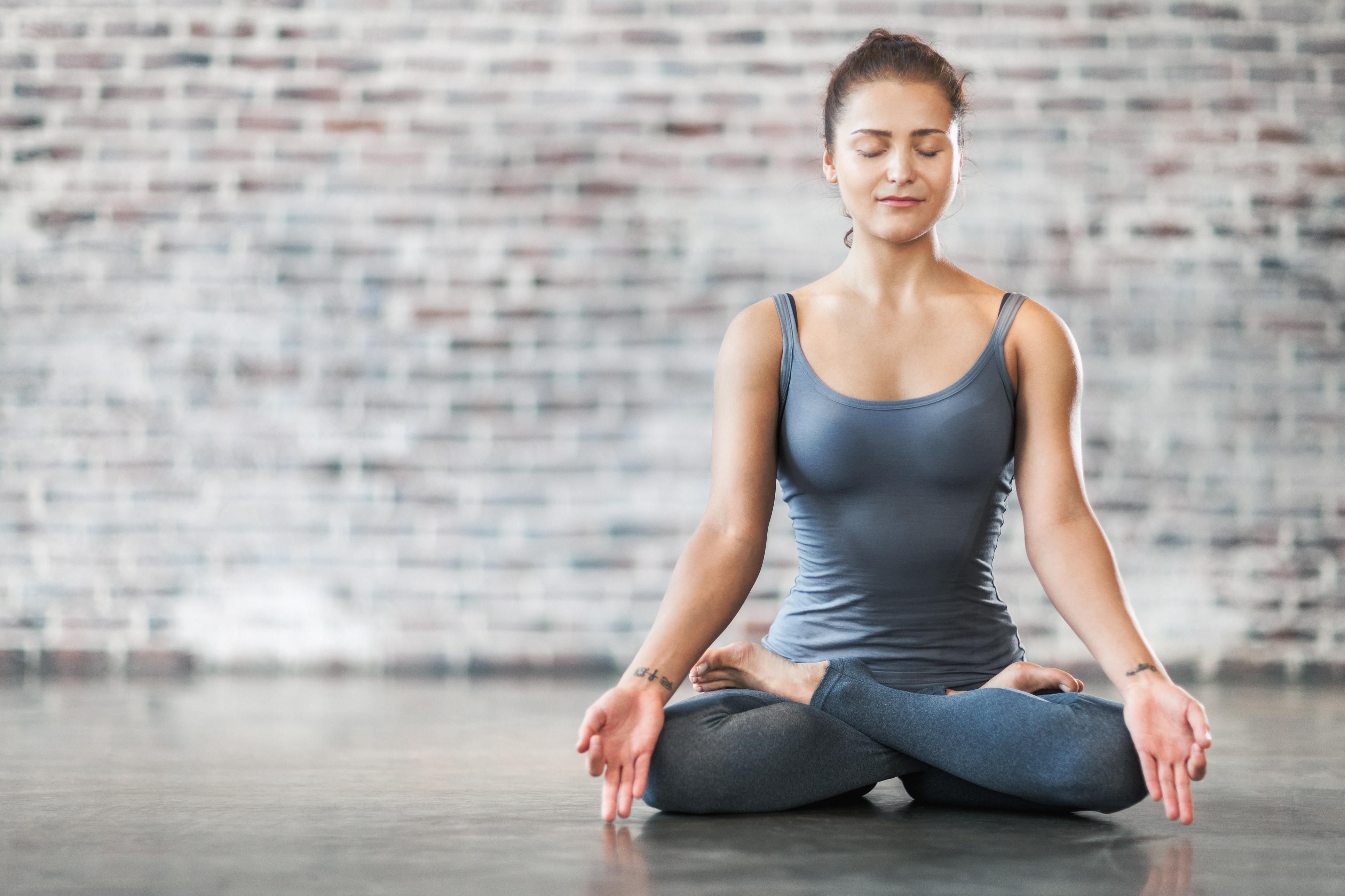 20 Postures De Yoga Pour Debutants Et Confirmes