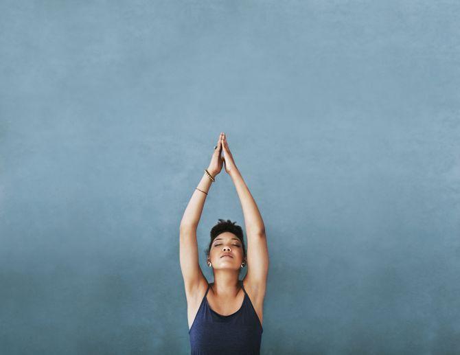 20 postures de yoga pour débutants et avancés