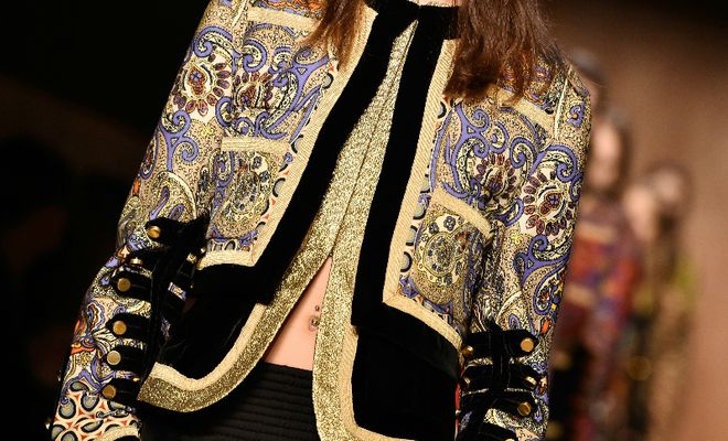 Jaquetas e casacos sensacionais das passarelas de Paris