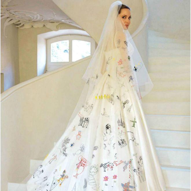 Os dez vestidos de noiva mais icônicos da moda para você se inspirar