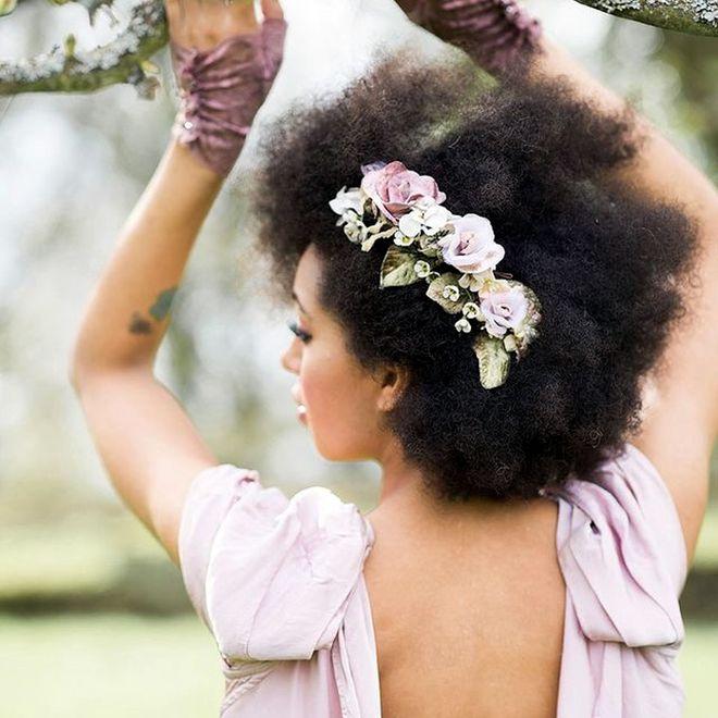 Penteados para noivas de cabelos cacheados e crespos