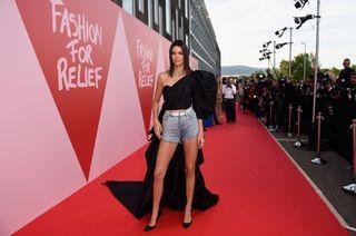 Kendall Jenner -  Los shorts, un básico para el verano
