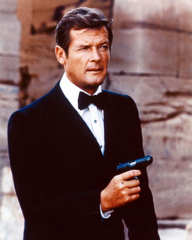 Roger Moore - Los James Bond de la historia del cine