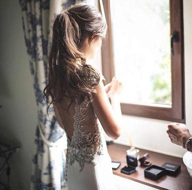 Coleta con ondas - Peinados de novia