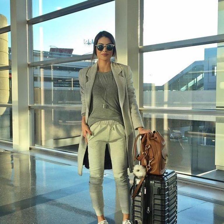 5af47ac2eef ¡Viajar será un placer! Los looks más cómodos para los días de aeropuerto