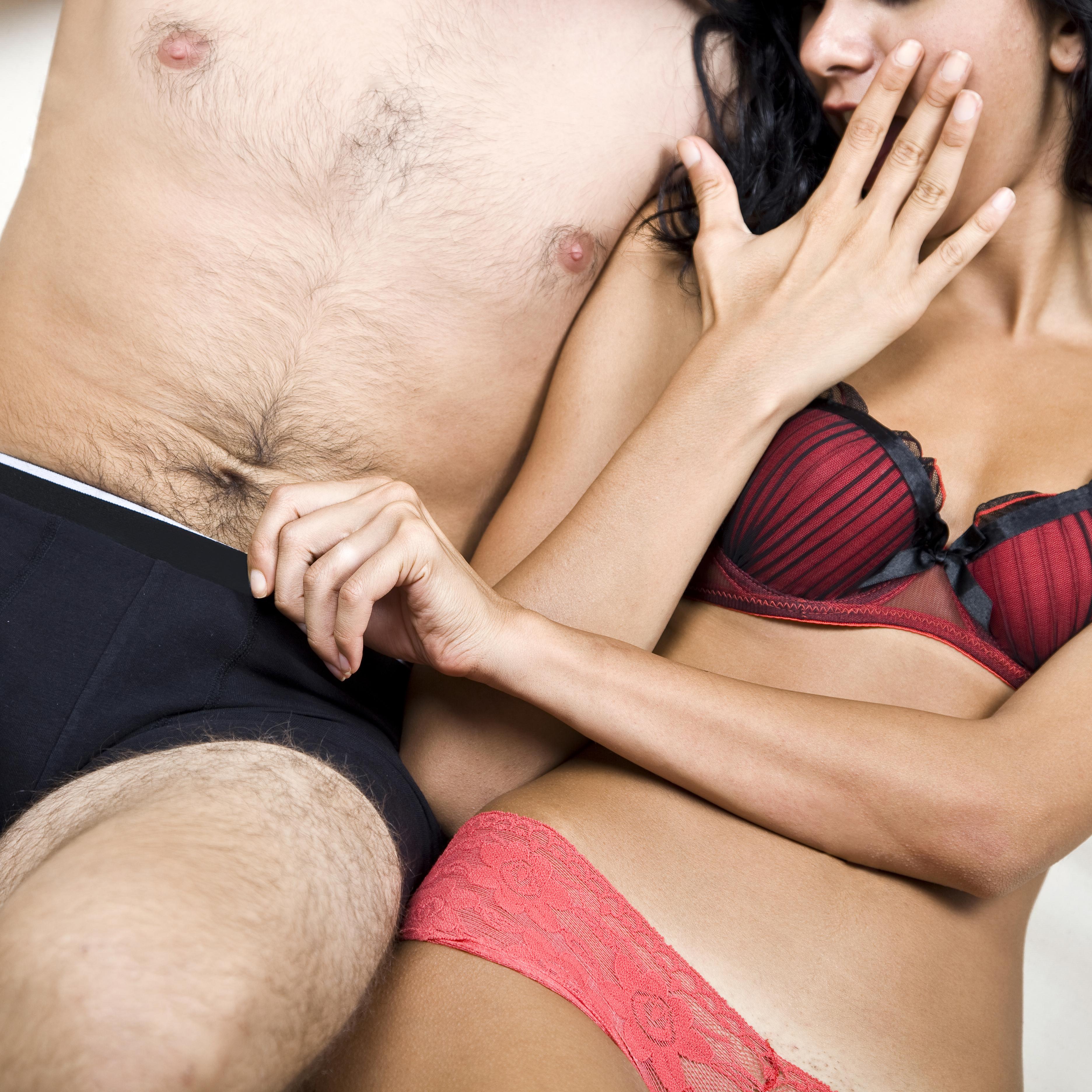 Pene piccolo: 5 posizioni per un orgasmo top